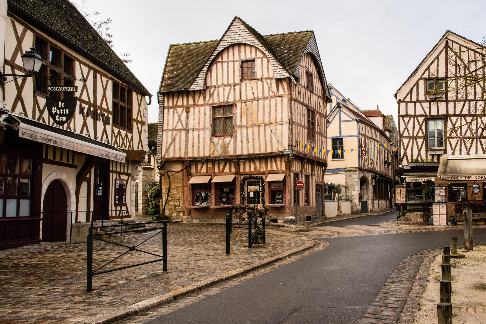 Restaurant Provins Place Du Chatel